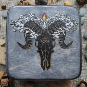 Черная Свеча шкатулка ручной работы