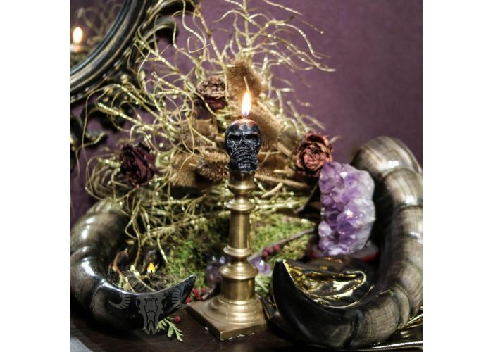 Молчание свеча фигурная череп с травами восковая