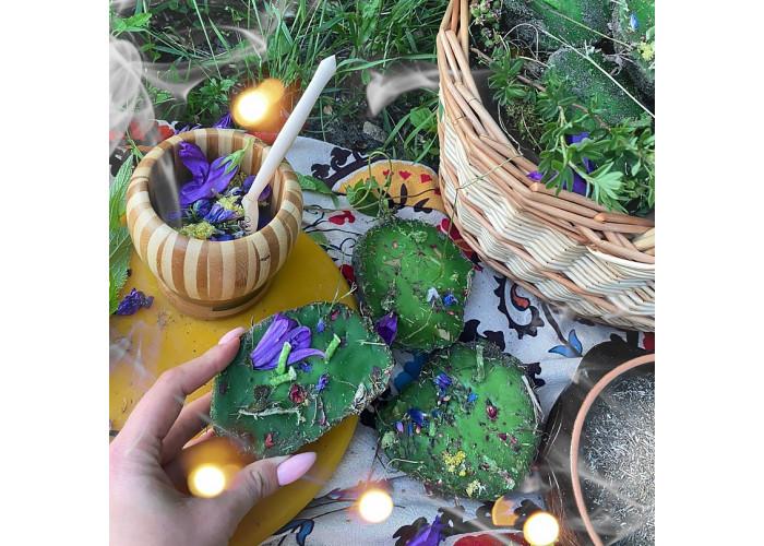 Денежная свеча восковая земляная зеленая