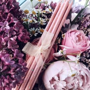 Розовые тонкие свечи восковые с перламутром