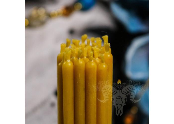 Желтые тонкие свечи восковые