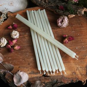 Белые тонкие свечи восковые
