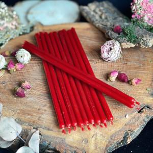 Красные тонкие свечи восковые