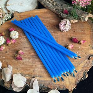 Голубые тонкие свечи восковые