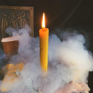 Свеча с можжевельником из вощины