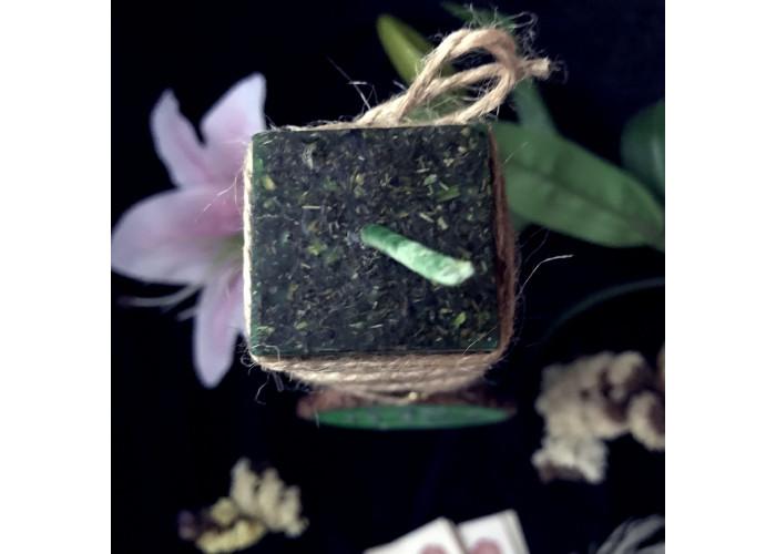 Маяк свеча-ритуал с амулетом для поиска новой работы