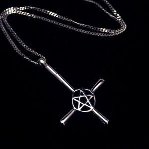 Пентаграмма подвеска перевернутый крест