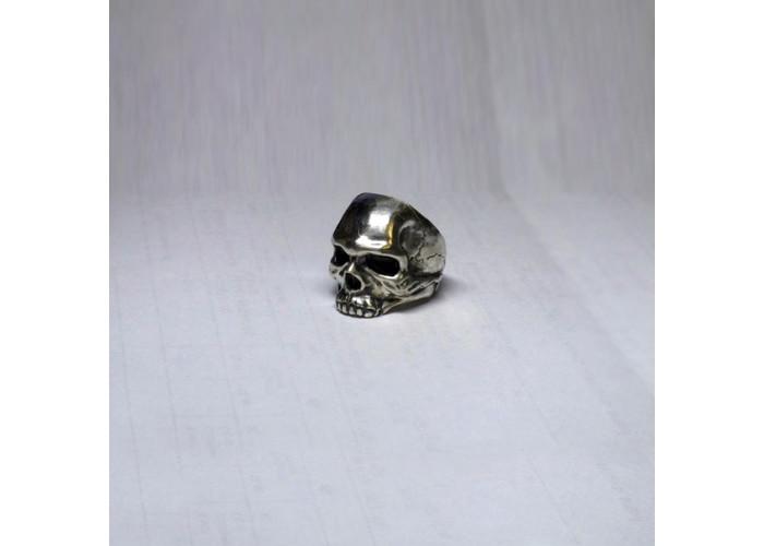 Большой череп перстень