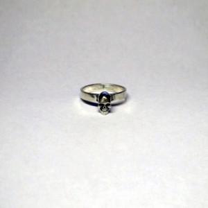 Маленький череп кольцо